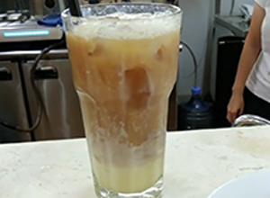 How To Make An Iced Vanilla Root Beer